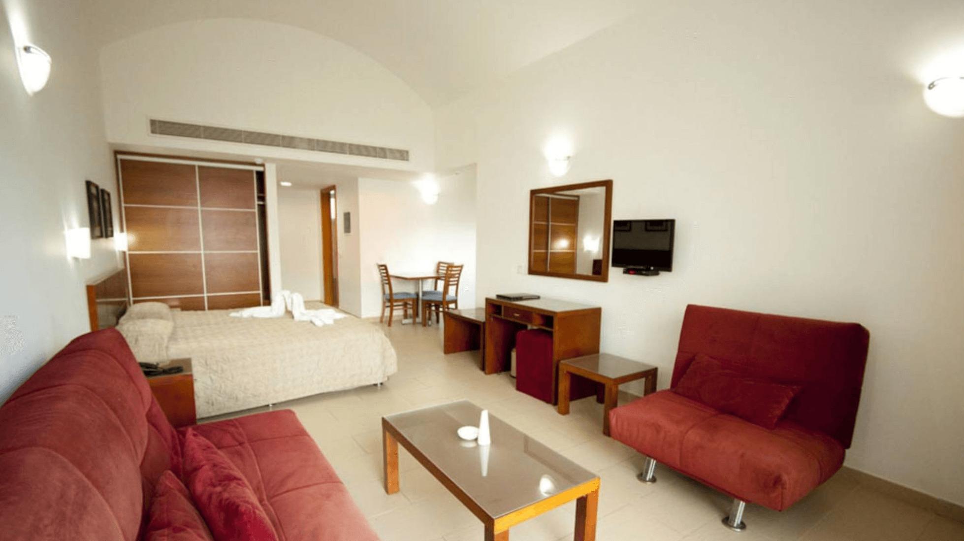 Тур в Пафос в отель Theo Sunset Bay Holiday Village 4* (Кипр) на 14 ночей с 18.05.19 от 88 576 рублей (BB) на двоих
