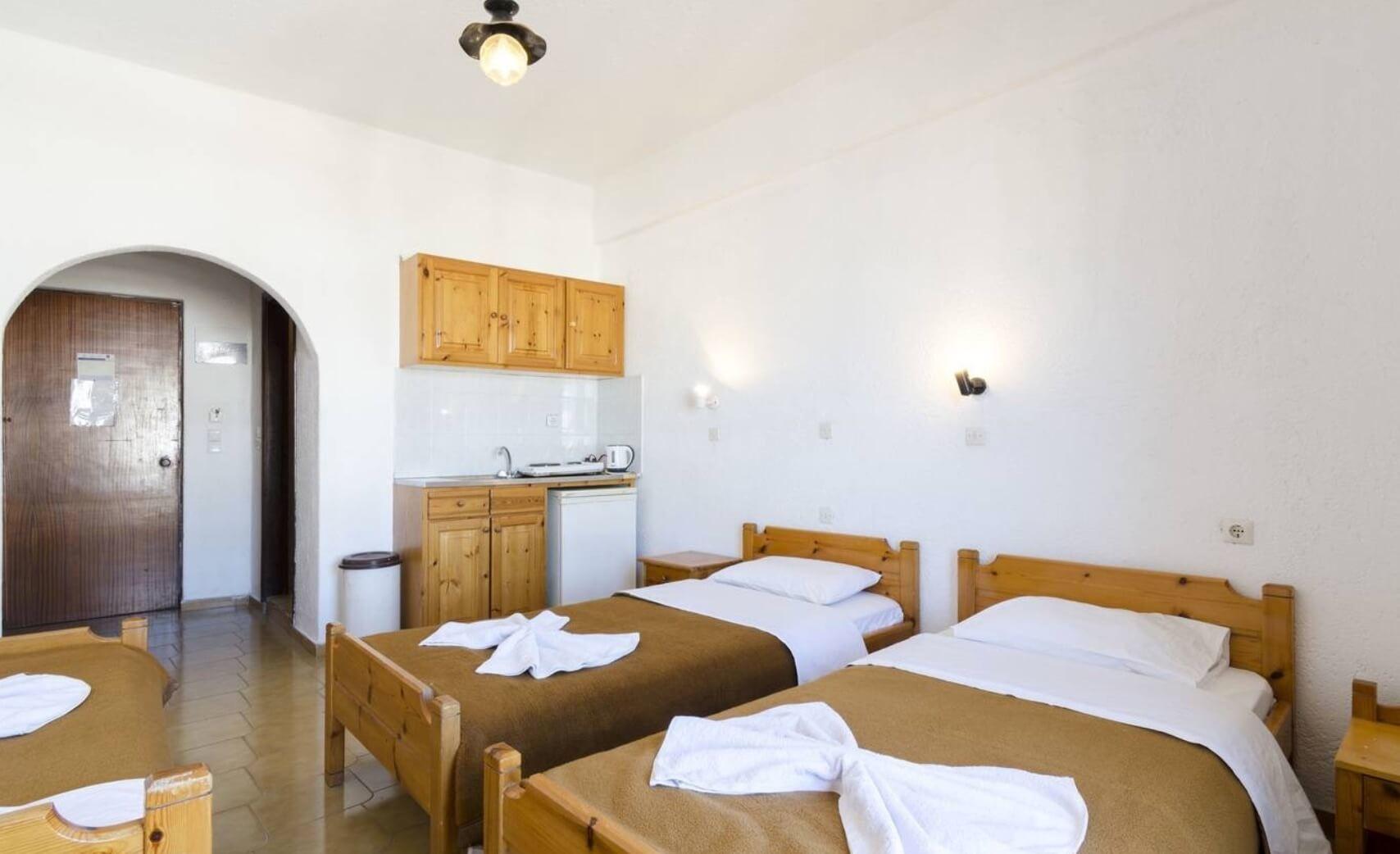 Тур на Крит в Малию в апарт-отель Argo Studios 2* (Греция) на 7 ночей с 19.05.19 от 28 975 рублей (RO) на двоих