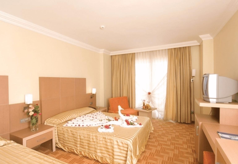 Тур в Аланию в Holiday Garden Resort 5 * (Турция) на 7 ночей с 18.05.19 от 39 368 рублей (AL) на двоих
